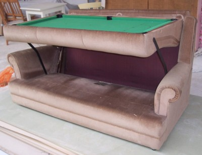 Sofa + snooker table