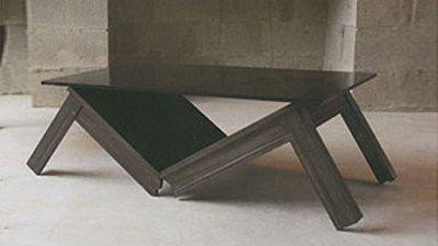 Table basse brisée par Luciano Lorenzatti et Alan Wisniewski