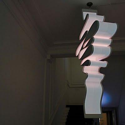 Lampe carbon par Marcus Tremonto