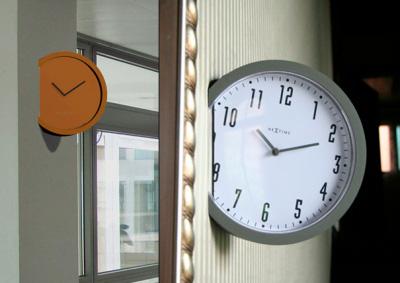 Une horloge bien intégrée par Leo Yiu Chun Pong