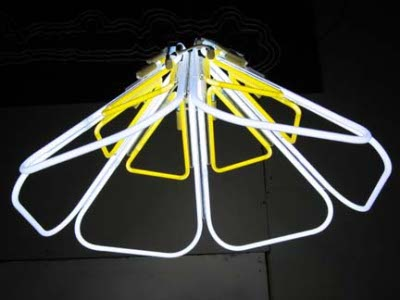 Luminaires à néon par Roger Borg