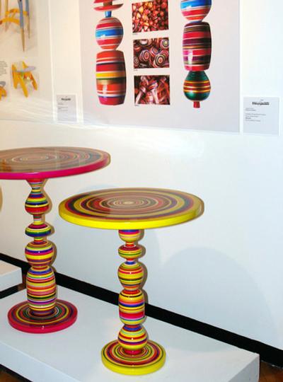 Table haute en couleur Pirueta par Piey