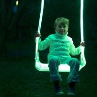 La balançoire lumineuse par Lervik Design