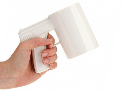 Tasse pour matin difficile, gun handle mug blog-espritdesign.com