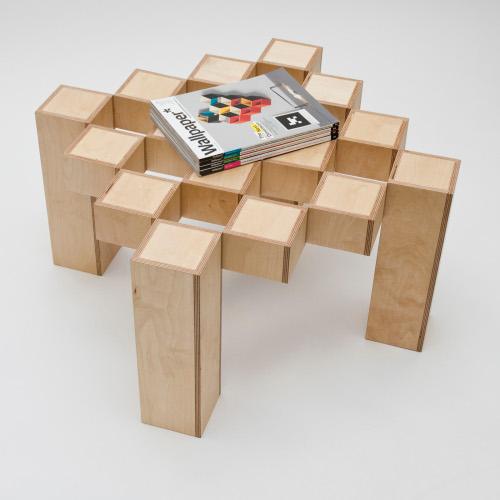 Table mouvante par Tom Cecil