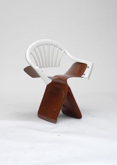 100 jours 100 chaises par Martino Gamper