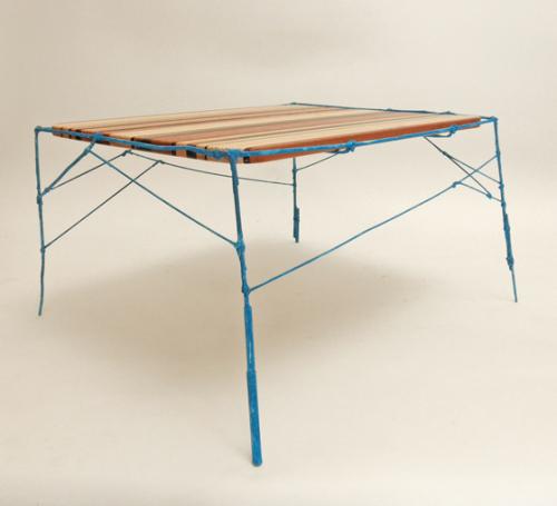 Table instable par Stefan Wieland