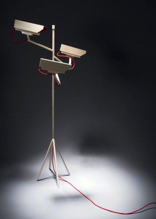 Luminaire surveillance 100 par Humans since 1982