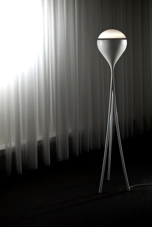 Luminaire en lévitation par Crealev