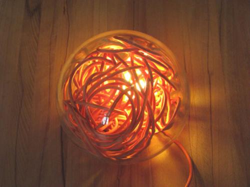 Une boule de câbles par David Dannenberg