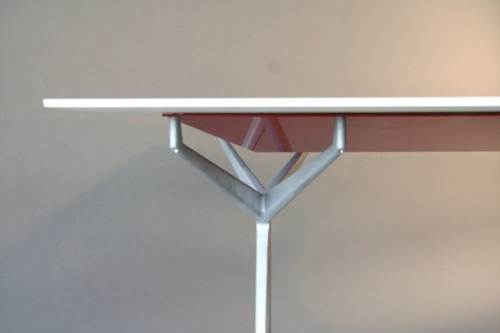Table JACK par Della Valle Bernheimer