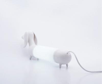 Dog lamp, par le Studio Want and Needs