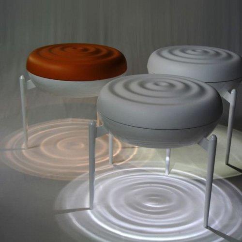 assis sur leau tabouret par kota nezu - Tabouret Salle De Bain Transparent