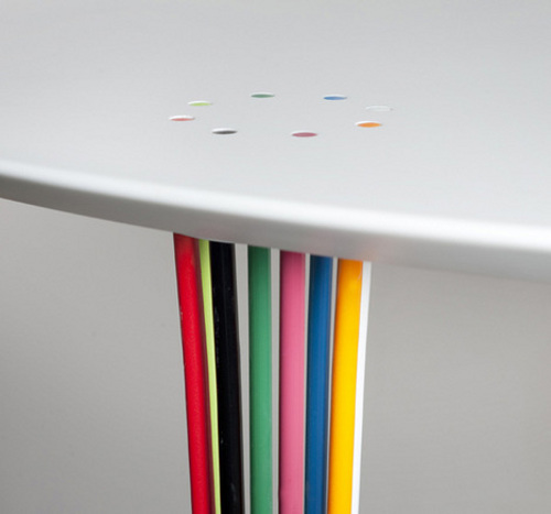 Table Carrousel par Adam Goodrum