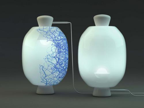 Luminaire broderie et perle par Pierre Favresse