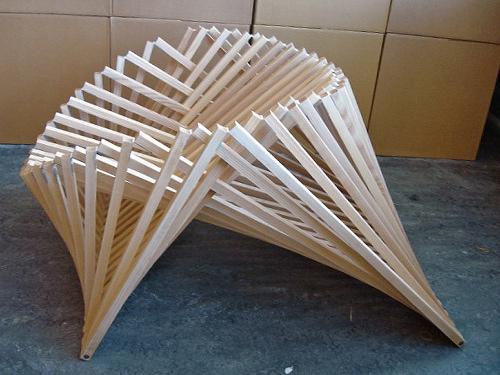 Confort et mouvement Rising Chair par Robert Van Embricqs