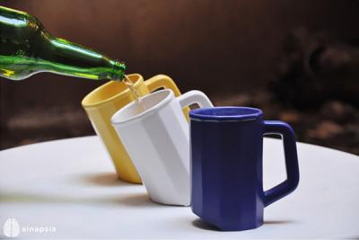Boire sa bière en Mug par Sinapsis Design