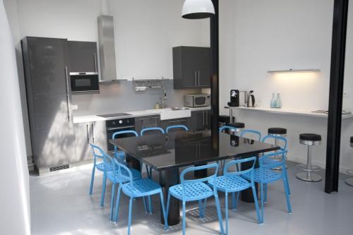 1700 bandes dessin es pour un comptoir d 39 accueil blog. Black Bedroom Furniture Sets. Home Design Ideas