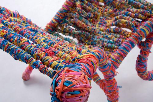 65 000 élastiques = 1 chaise par Preston Moeller