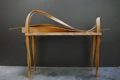 Une planche, un meuble : le bureau par Guillaume Dulau