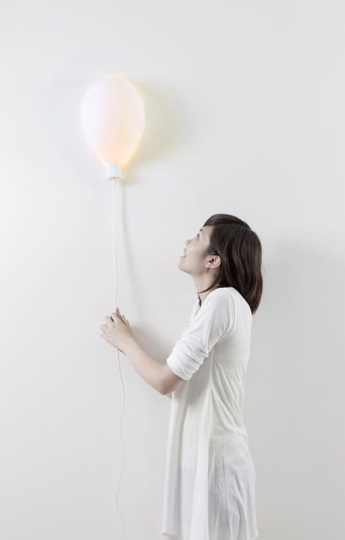 Balloon X Lamp par Haoshi Design
