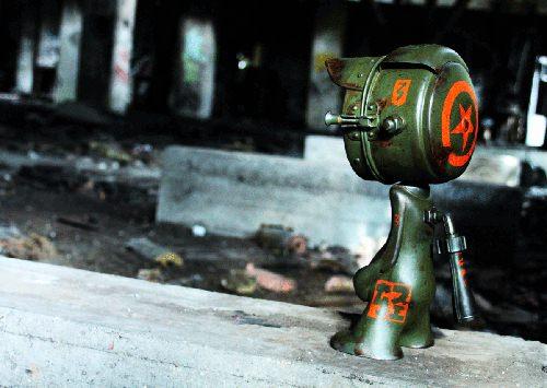 Street art toys par Nanan
