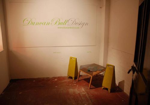 Tabouret ou Table d'appoint par Duncan Bull