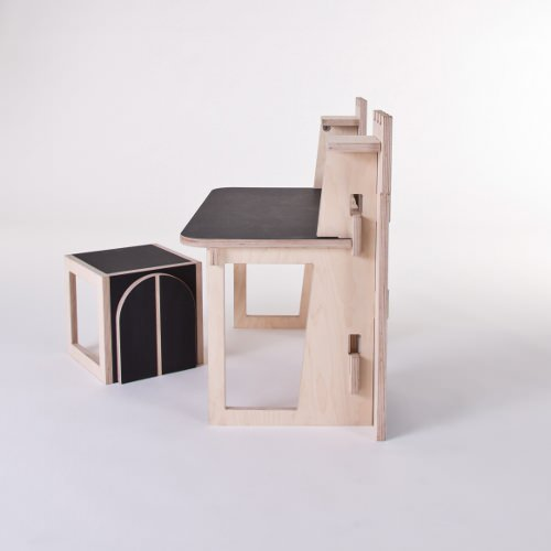 bureau pour enfant forteresse par le collectif at once. Black Bedroom Furniture Sets. Home Design Ideas