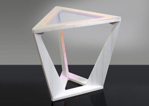Joe Doucet Designer : Table de chevet WLO7 Tretable
