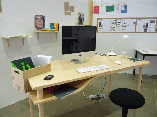 Bureau Boite, la déformation du bois par Quentin Galdeano