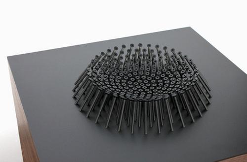 Table à Vis par Matthew Kroeker