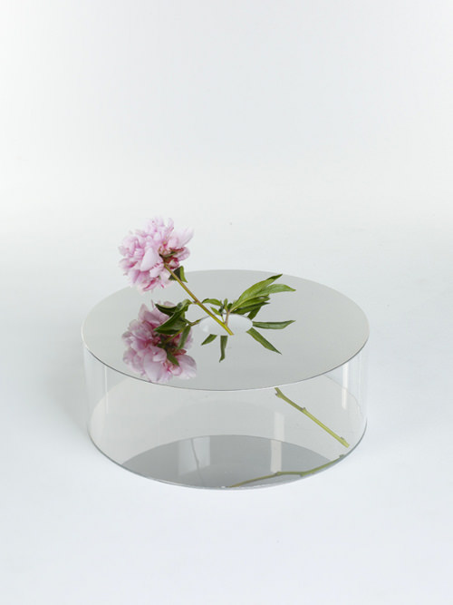 Narciso une collection de Vase + Miroir par Giorgia Zanellato
