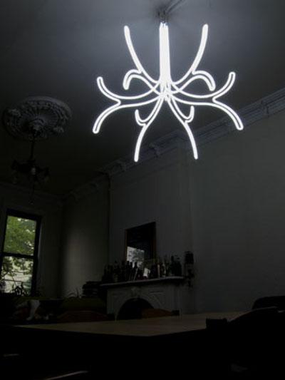 Luminaire néon par Roger Borg