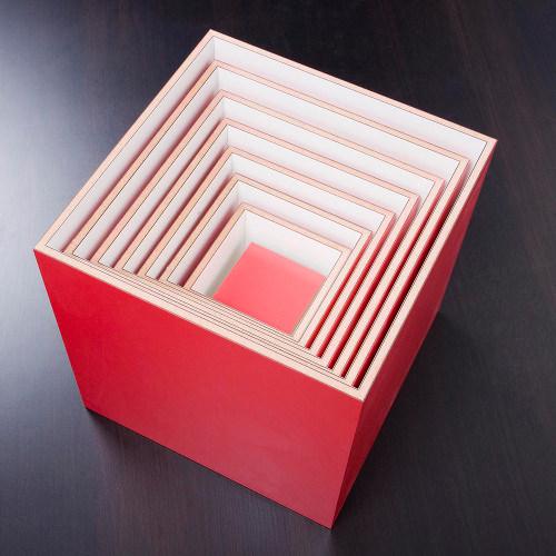 Etagère poupée russe Box 1-7 par Pekka Kuivamäki