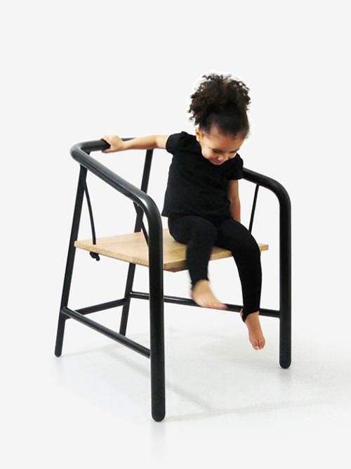 Portique armchair, la chaise balançoire par Florent Coirier