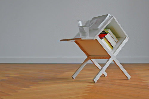 Mini bibliothèque Buchtisch par formfreier