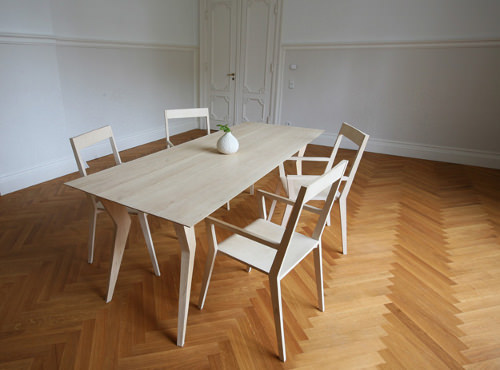 Table et chaise Hirsch-Serie par le Studio formfreier