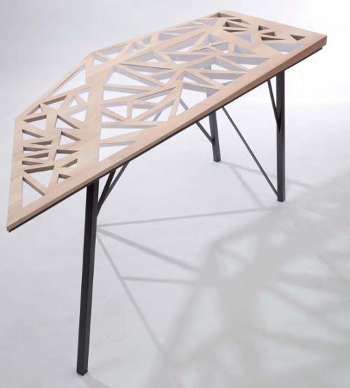 Foal table et bureau par Charlene Plourdeau