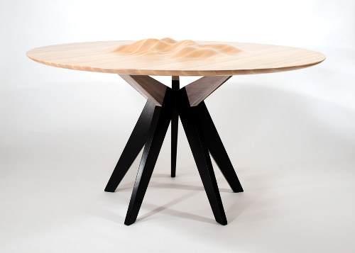 Ocean's Edge la table à ondulations par Tyson Atwell