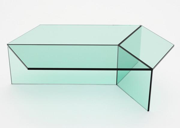 Isom la table de verre par Sebastian Scherer