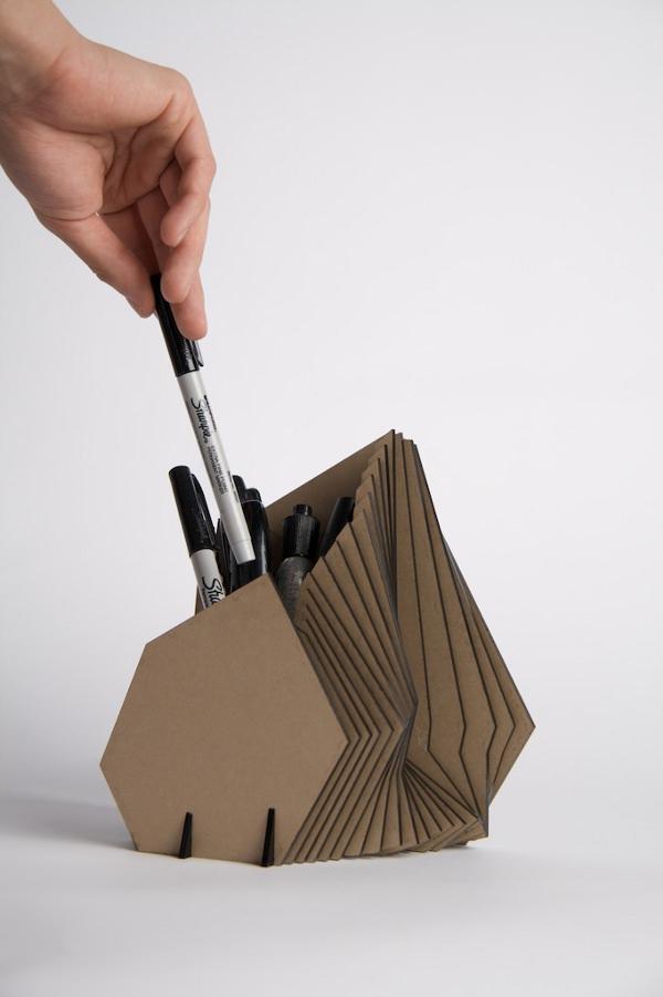 Pen Holder Par Nathaniel Paffet Lugassy Blog Esprit Design