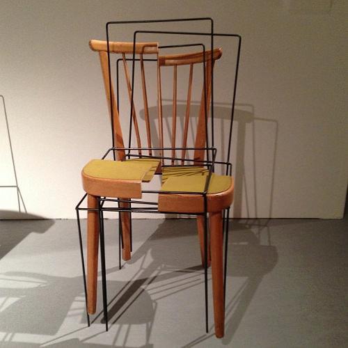 Trois deux un chaise par Julian Sterz