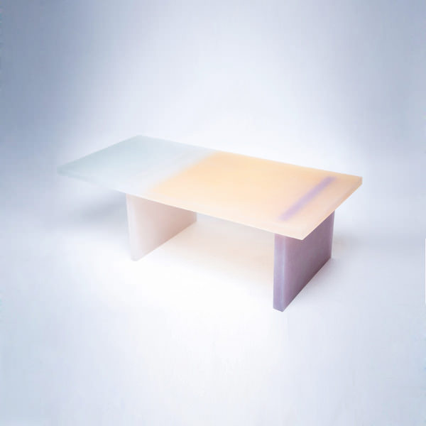 Collection haze le mobilier en r sine par wonmin park for Bio concept meubles