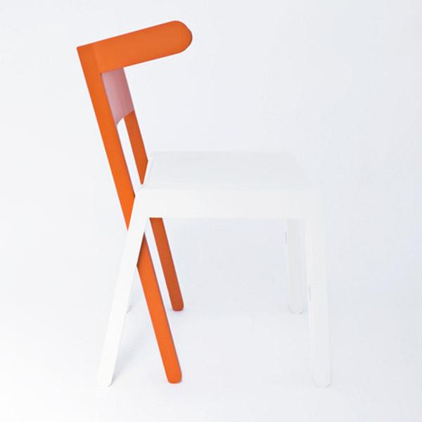 design battle les chaises multifonction superbambi vs. Black Bedroom Furniture Sets. Home Design Ideas