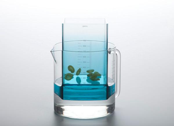 Kitchen Scales le poids par l'eau par Helena Karelson