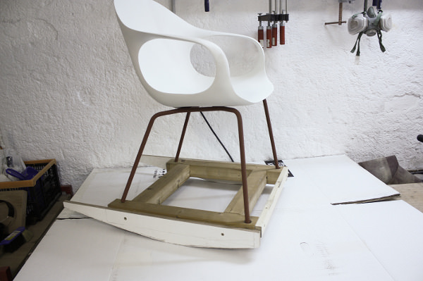 Rocking Chair Elephant par le studio Neuland pour Kristalia