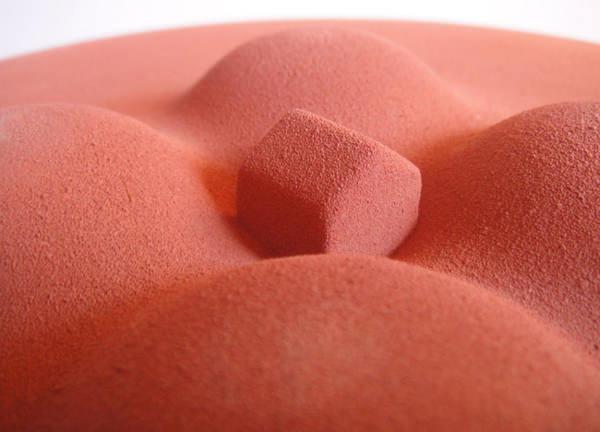 Ceramic fruitbowl la maison au milieu des collines par Gianluca Gimini