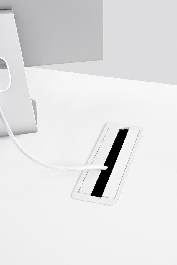 thin k la table de 6mm par luciano bertoncini kristalia. Black Bedroom Furniture Sets. Home Design Ideas