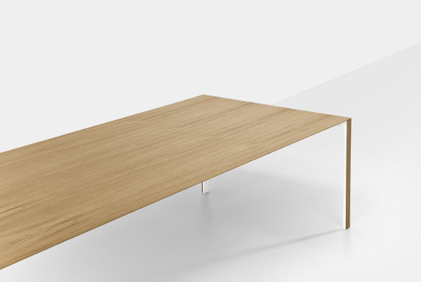 Thin k la table de 6 mm par luciano bertoncini blog for Table salon design italien