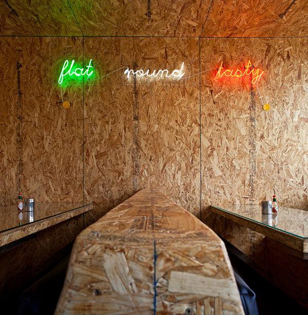 Shumis la pizzeria pop par le studio opa esprit design